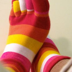Red_Pink_Orange_rainbow_toesocks